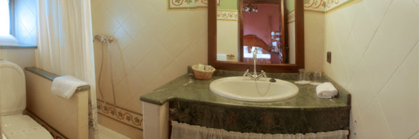 Habitación Poniente, vista baño