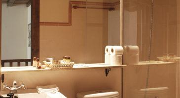 estancia familiar duplex con habitación, vista baño