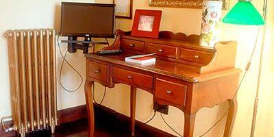 habitación El Mirador, detalle escritorio