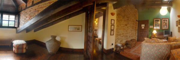 habitación los Buhardillones, panorámica estancia uno y salita